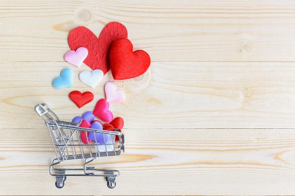 Hearts inside a shopping cart